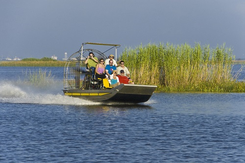 Mobile airboat